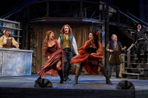 The Cleveland Play House Shakespeare in Love Directed by Laura Kepley Photo by Roger Mastroianni